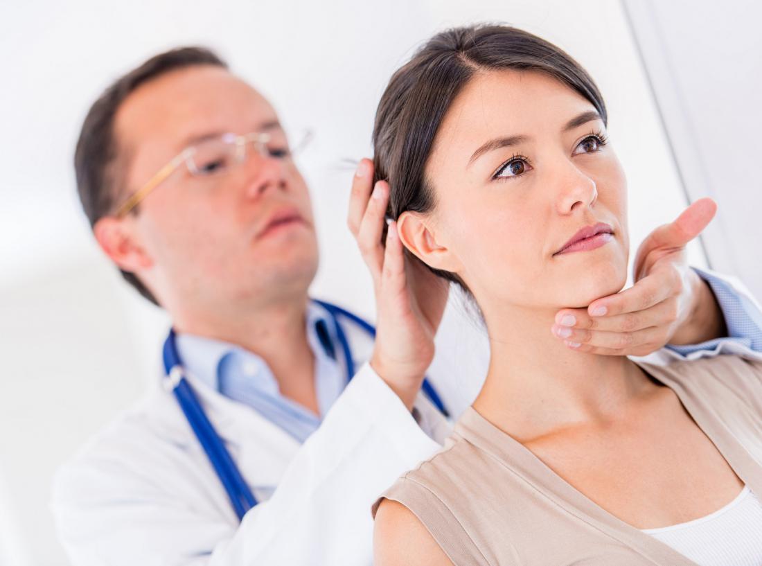 диагностика хруста в шее